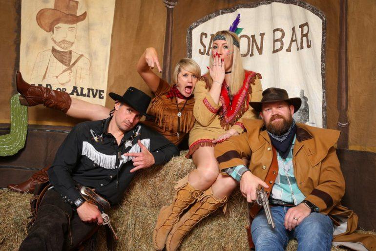 Интерьер для ковбойской вечеринки от PartyToday.ru