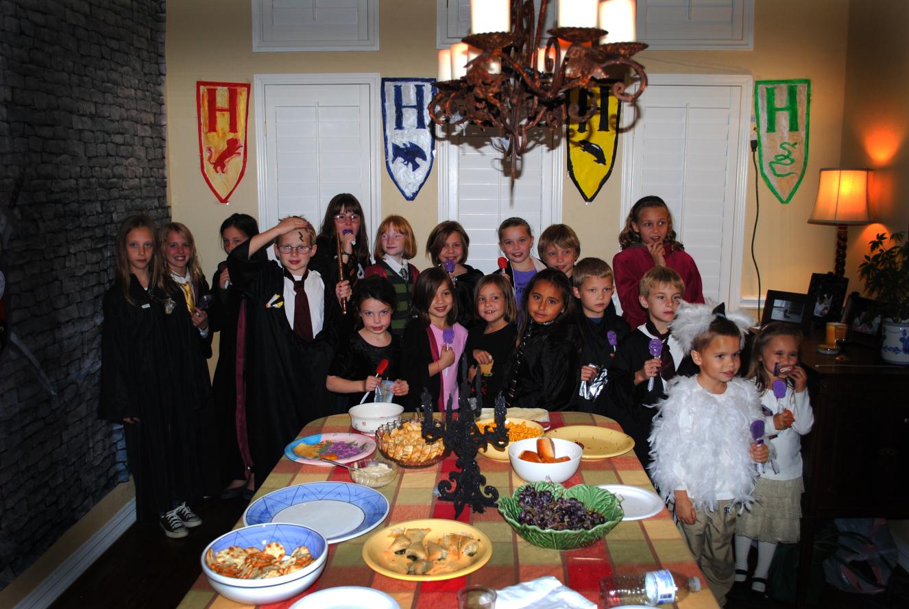 Детская одежда для вечеринки в стиле Гарри Поттер  от PartyToday.ru