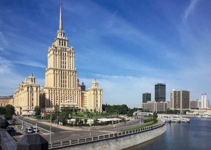 Гостиница Украина. Внутри. PartyToday.ru